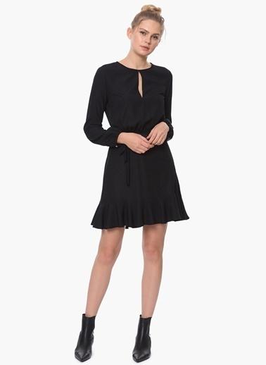 Que Uzun Kollu Eteği Volanlı Elbise Siyah